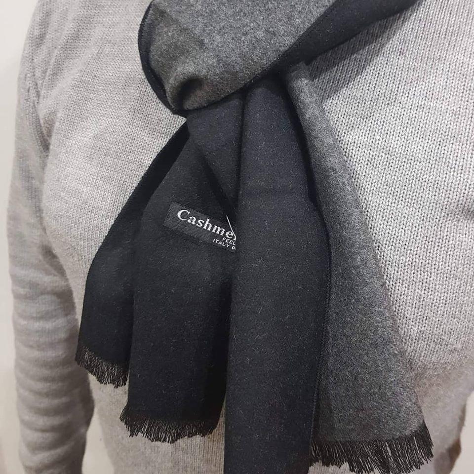 Cachecol de homem reversível preto/cinzento