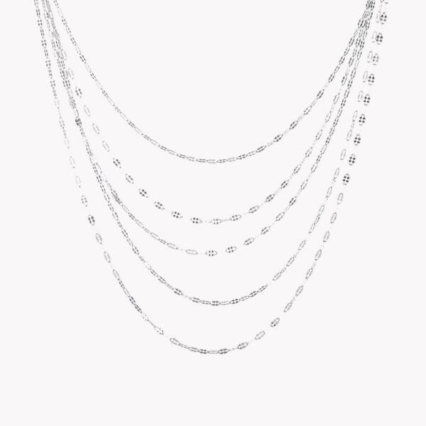 Colar em aço com diversos fios de diferentes tamanhos em prateado