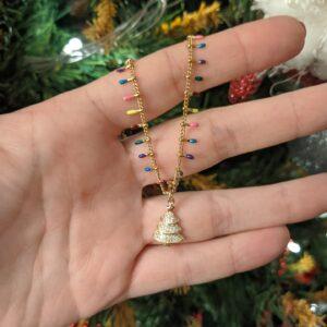 Colar com fio em aço de pontas coloridas e pendente em forma de pinheirinho/árvore emcobre com zircónias brancas