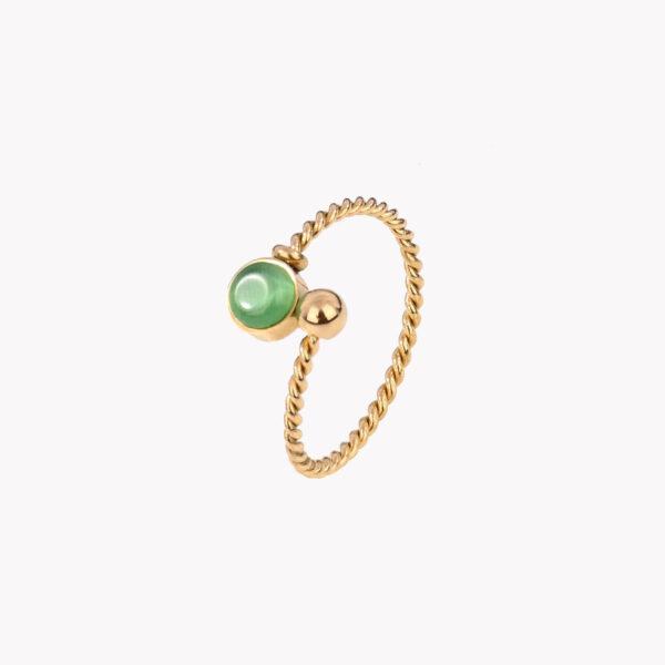 Anel ajustável dourado em aço em espiral com pedra verde numa das pontas